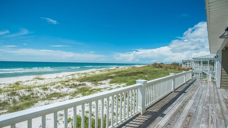Available NOW—no hurricane damage! Gulf Front w/elevator & screened-in porch., alquiler de vacaciones en Cape San Blas