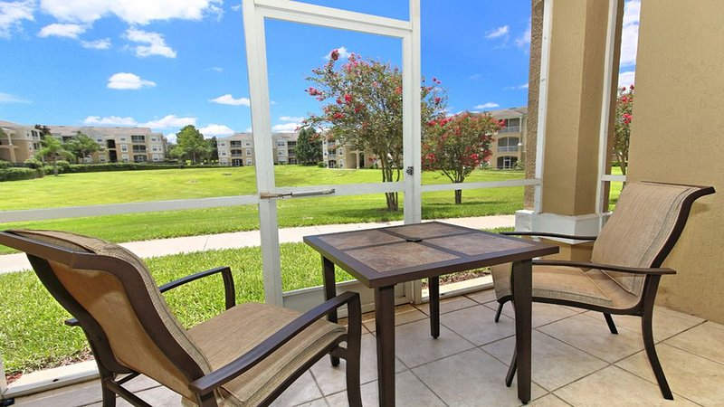 Minutes From Disney!  Dazzling Ground Floor Resort Condo With Many Upgrades, location de vacances à Four Corners