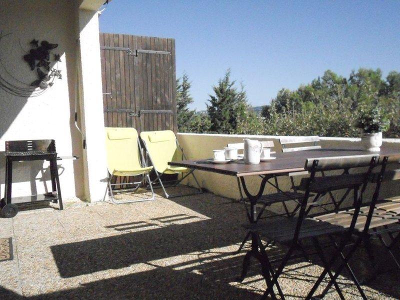 CASSIS à 6km. RdJ de villa 2 Appart. pour 1 à 6 pers chacun.Terrasses, Belle vue, holiday rental in Bouches-du-Rhone