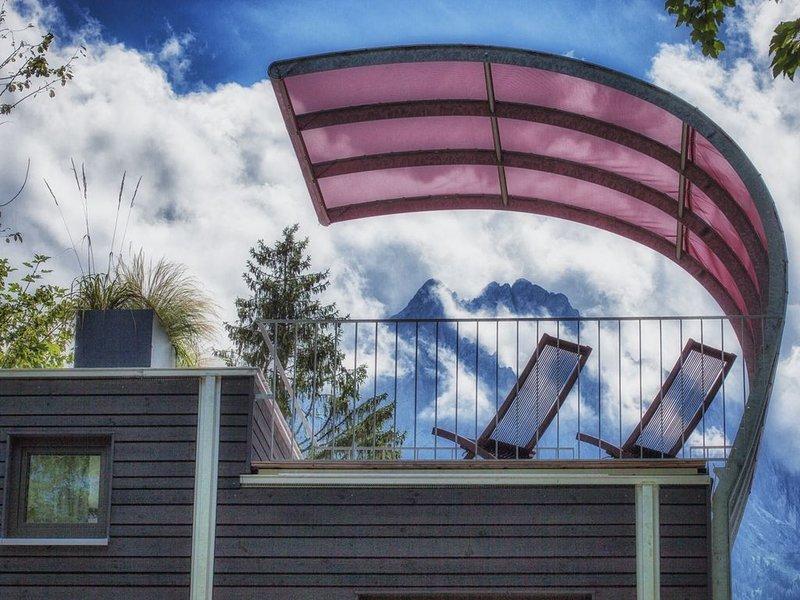 Zugspitz-Rauschen 1 - Traumhaft wohnen direkt am Flussufer mit Zugspitzblick, holiday rental in Hammersbach