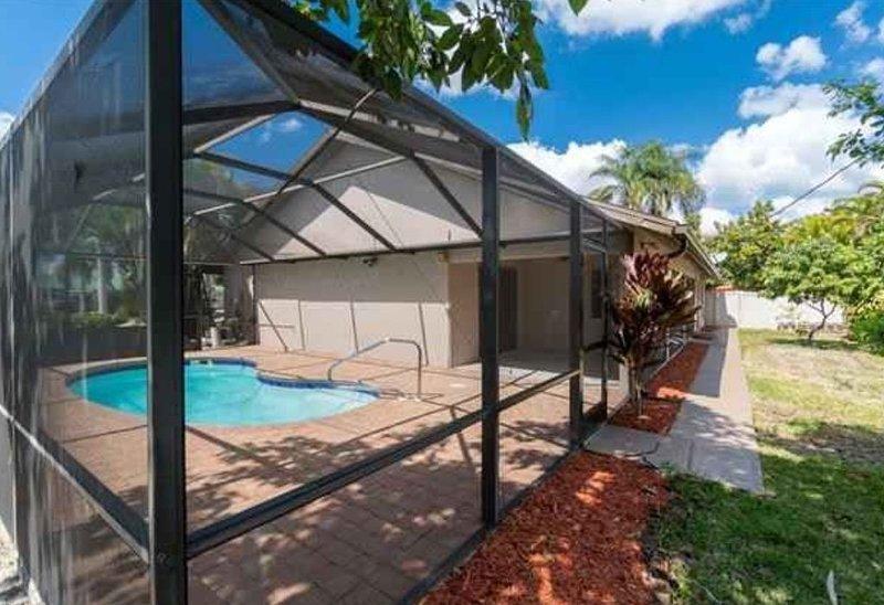 23 Palms at Ivy Inn! – semesterbostad i Fort Myers