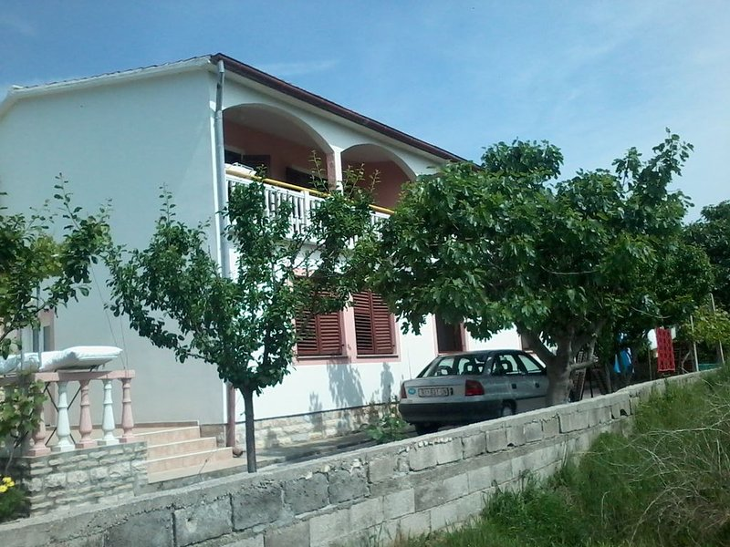 Ferienwohnung in ruhiger Lage, holiday rental in Lopar