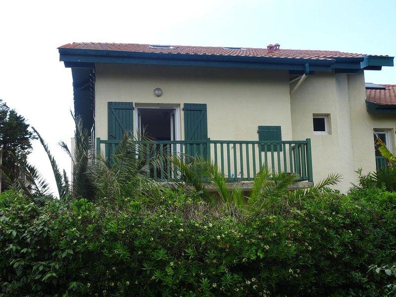 ANGLET , chambre d'amour , appartement T3 ,  face  GOLF LE PHARE, location de vacances à Anglet
