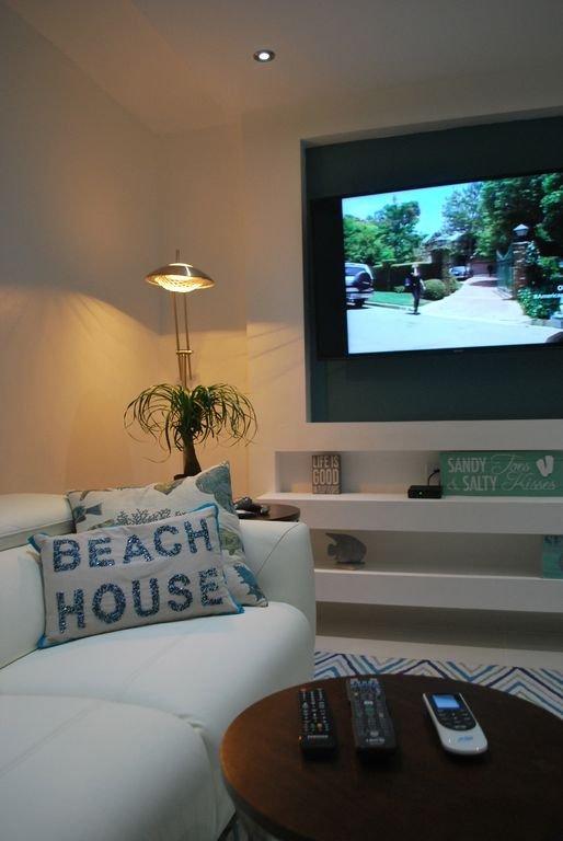 Beautiful corner in living/TV area