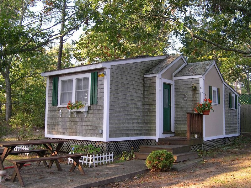 Air-conditioned Cottage on Drummer Cove - Hi-Speed Internet, vacation rental in Wellfleet
