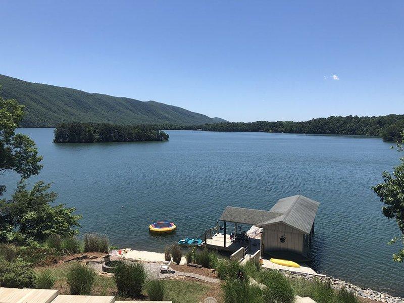 Foto tomada desde la cubierta. La mejor vista sobre el lago!