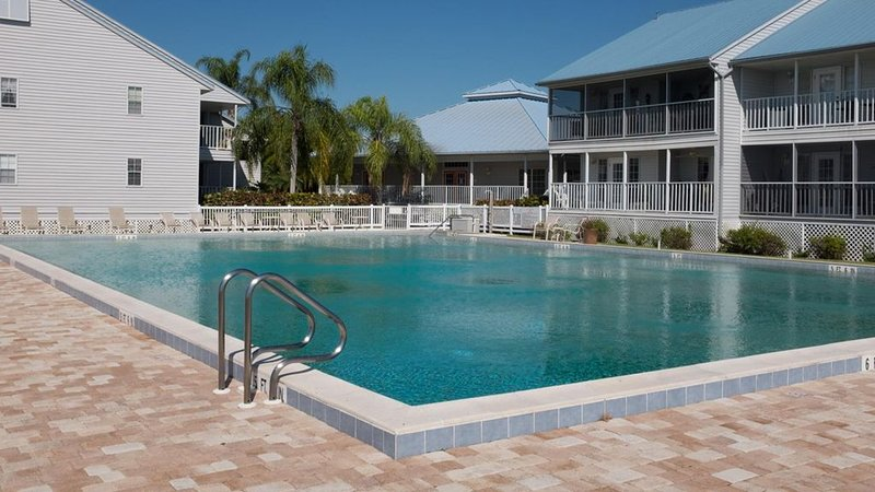 Wonderful Condo on the Myakka river, close to beaches. Recently remodeled., location de vacances à Port Charlotte