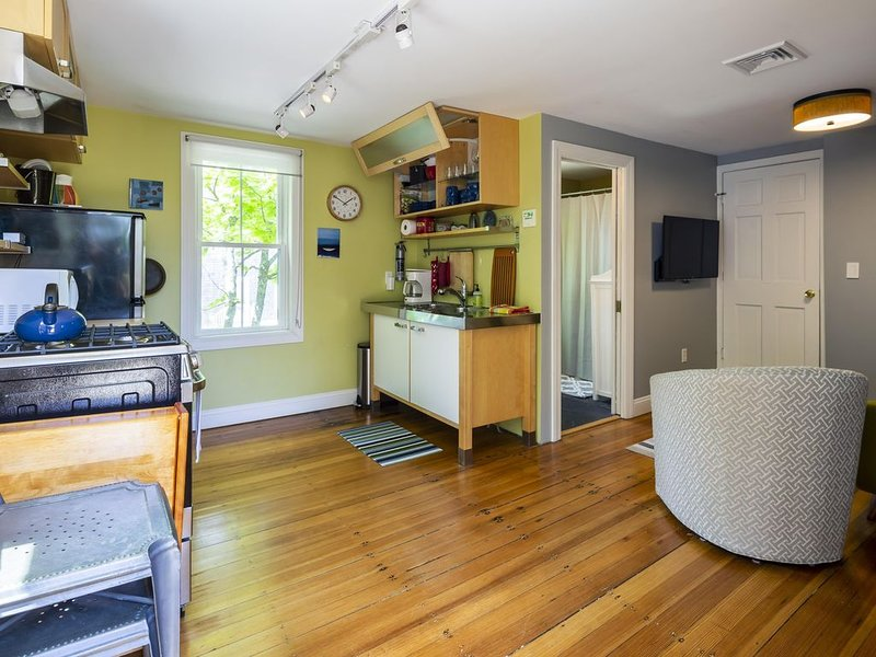 bright, comfortable 1-bedroom, close to town center, vacation rental in Provincetown