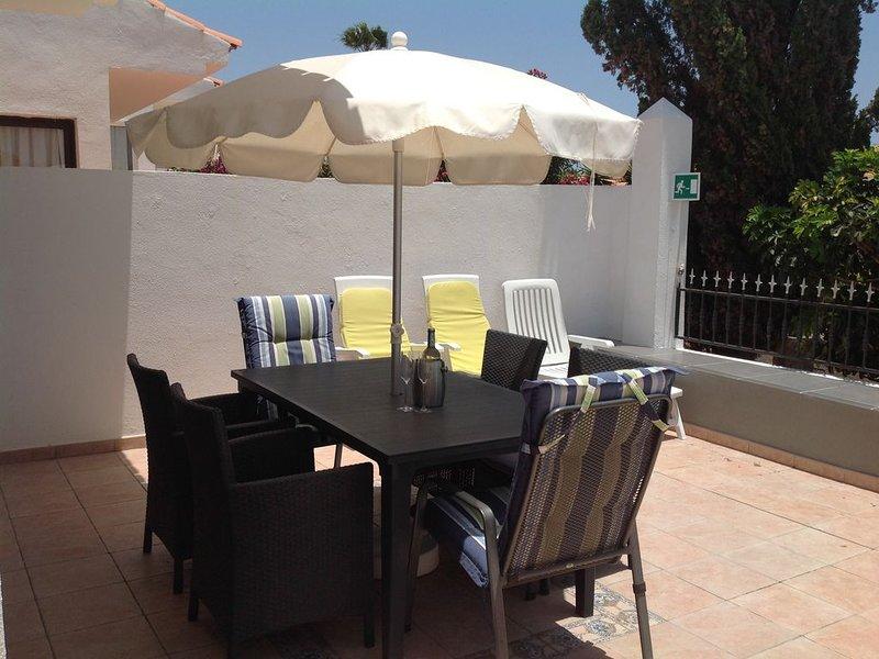 Sunningdale  Village 2 Bedroom Villa, Sea and Mountain Views, holiday rental in Golf del Sur