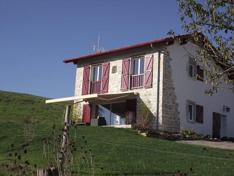 Maison Basque 4**** pour 4 personnes,  à 2 kms d'un village classé, holiday rental in Masparraute