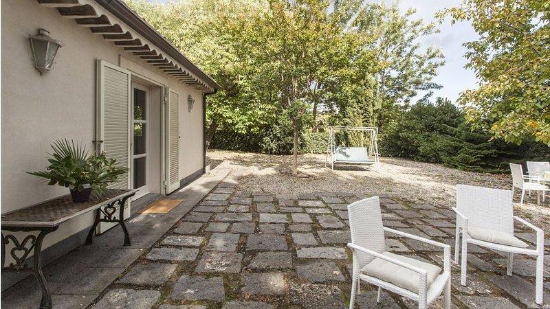 Dependance di un antica villa padronale di campagna alle pendici dell'Etna, holiday rental in Pennisi