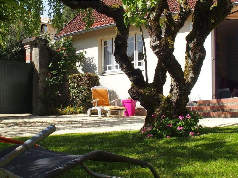 Maison avec jardin privé 50m plage. Animaux bienvenus. rbsmt 100% si annulation, holiday rental in Loire-Atlantique