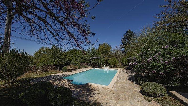 Prachtige villa voor 4 personen met prive zwembad!, holiday rental in Bouillac
