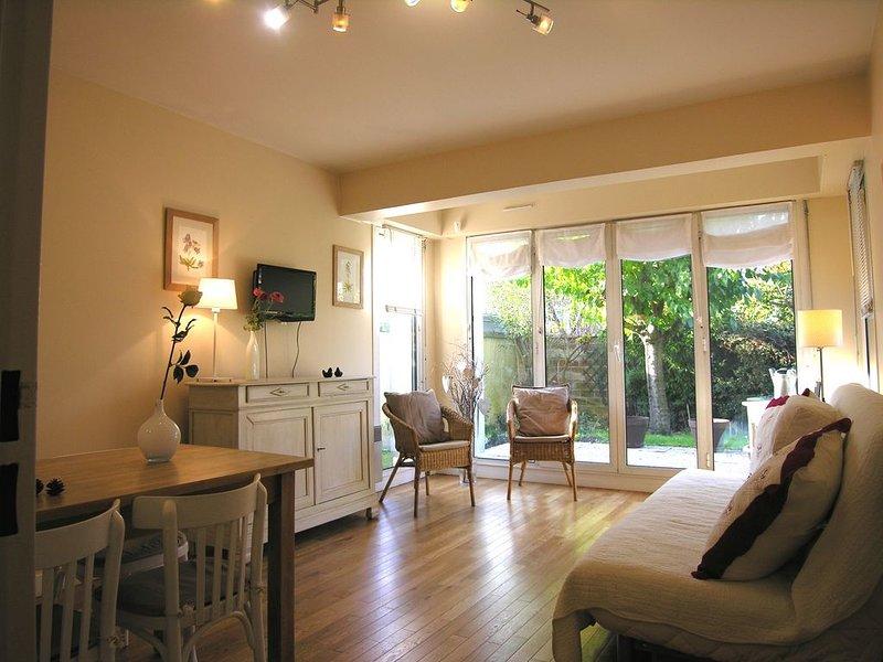 Antony : Charmant appartement 3* calme et jardin 3Clévacances, vacation rental in Palaiseau