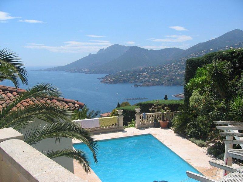 Beautiful individual villa with spectacular views over the Mediterranean., casa vacanza a Théoule sur Mer