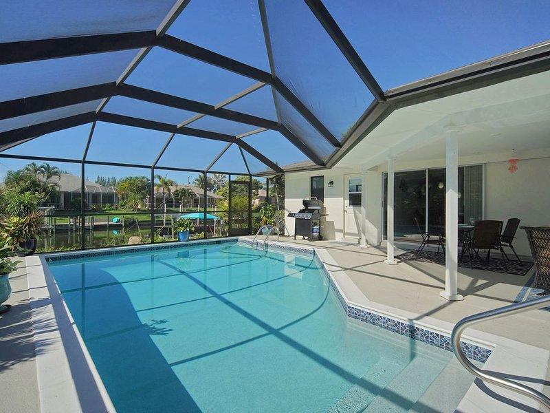 Traumvilla, Südlage, gr. Pool, am Kanal mit direktem Zugang zum Golf von Mexiko, aluguéis de temporada em Cape Coral