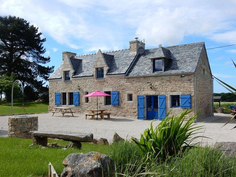 Typisch bretonisches Granithaus, location de vacances à Landivisiau