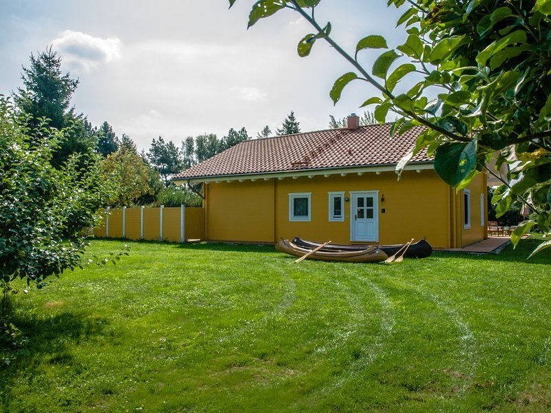 Ferienhaus Haus Natur-Pur, vacation rental in Semlow