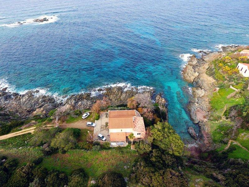 Villa les ''pieds dans l'eau'', casa vacanza a Corbara