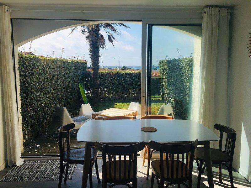 Appartement vue mer 6 personnes avec terrasse, jardin, piscine et tennis, location de vacances à Bidart