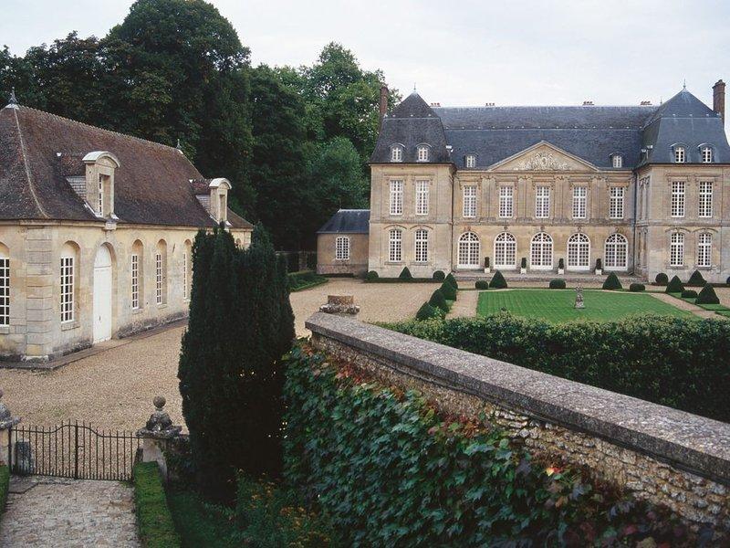 Château de Boury, Monument Historique élevé en 1685, vacation rental in Magny-en-Vexin