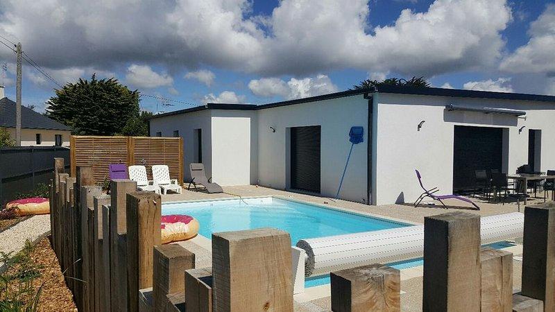 Grande maison spacieuse, contemporaine au bord de l'atlantique avec piscine, location de vacances à Lesconil