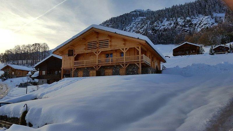 Appartement dans chalet Jeanne-Marie-au coeur du vieux village Chinaillon, location de vacances à Le Petit-Bornand-les-Glières