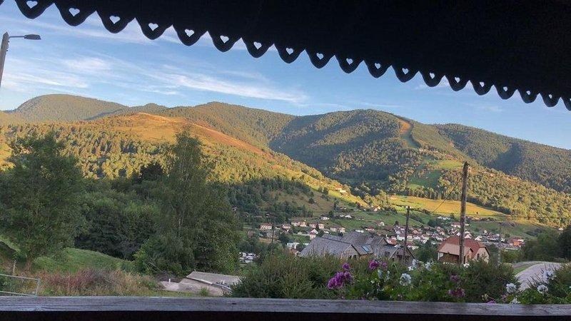 CHALET 'Goutte des Révolles' de 2 à 8 personnes avec Sauna, holiday rental in Husseren-Wesserling