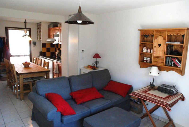 Loudenvielle:Charmant T3 Duplex confortable, lumineux, vue superbe.(wifi,garage), holiday rental in Genos