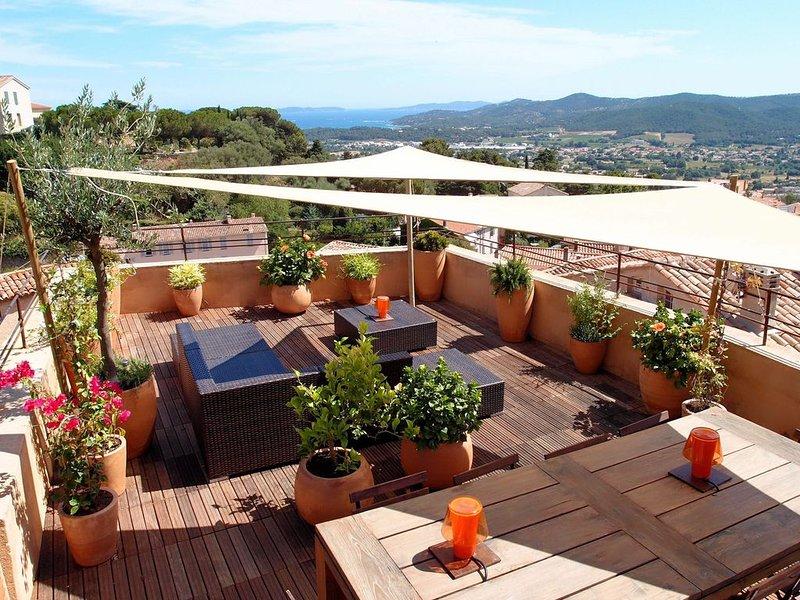 Maison de village - Rooftop de 55 m²-Magnifique vue mer et les iles - 5 étoiles – semesterbostad i Bormes-Les-Mimosas