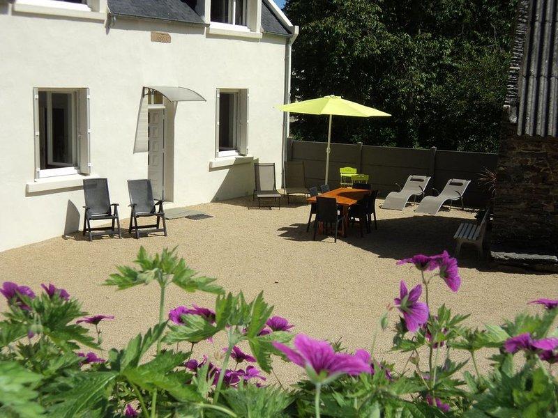 Maison à la campagne au calme entre terre et mer, holiday rental in Plouegat-Guerand