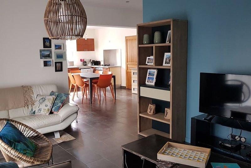 Superbe villa 6 à 8 couchages joliment décorée, holiday rental in Calenzana