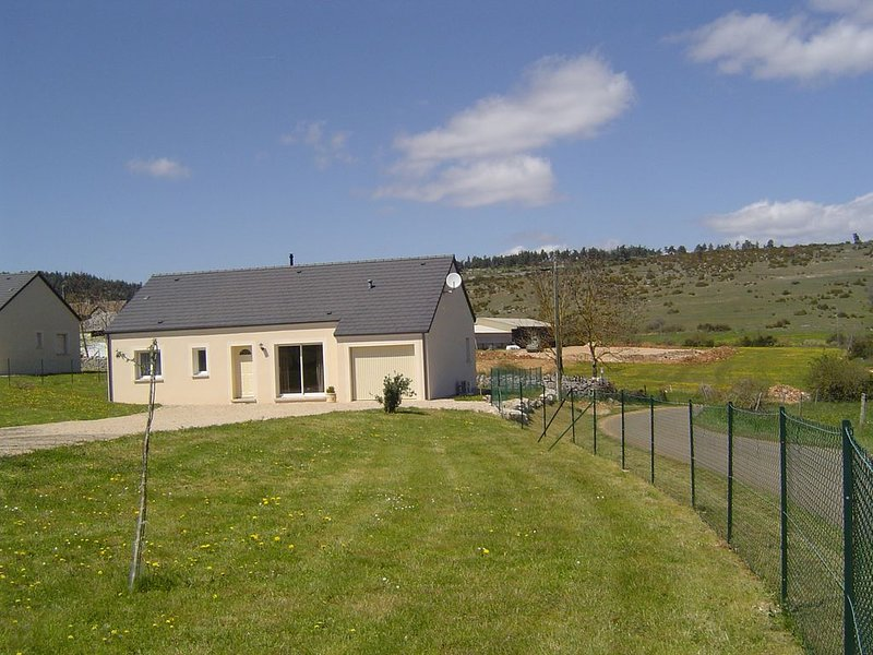Gite 3 *** a 5 minutes des Gorges du Tarn, holiday rental in Lozere
