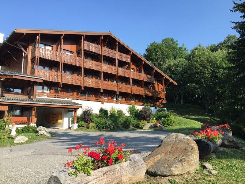 ⛷ Megève - Appartement 2 ch - Proche Centre &  Ski - Wifi + Netflix - Balcon, alquiler vacacional en Megève