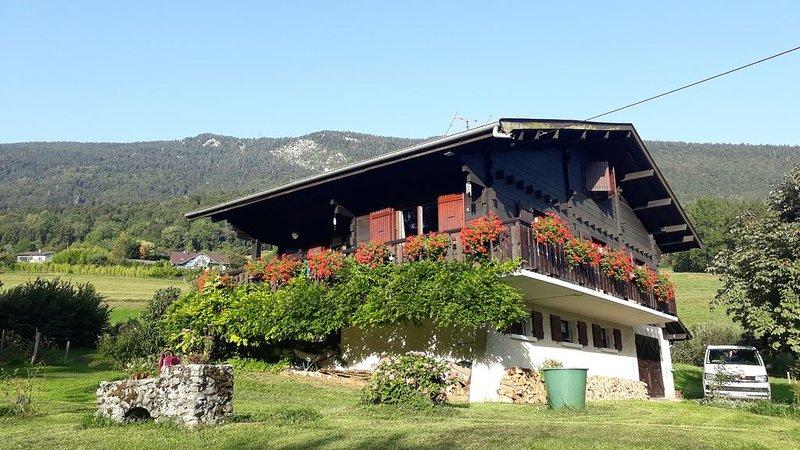 GRAND CHALET  LAC D'ANNECY- ST JORIOZ, holiday rental in Saint-Jorioz