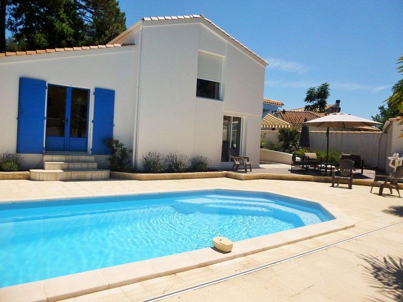 Villa  la Palmyre avec piscine chauffée privée., location de vacances à Les Mathes