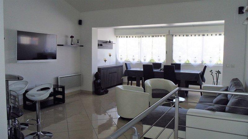 Villa spacieuse tout confort à 100m de la plage (Clim,WIFI,Chambre parentale...), location de vacances à Torreilles