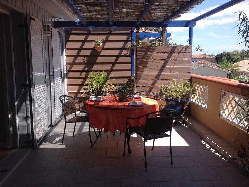 T3 indépendant dans grande propriété,  74 m² à l'étage avec  terrasse, vacation rental in Gujan-Mestras