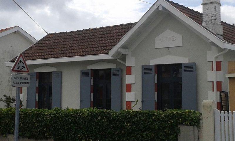 Appartement dans Maison  ARCACHONNAISE  500M PORT / PLAGE et COMMERCES, holiday rental in Arcachon