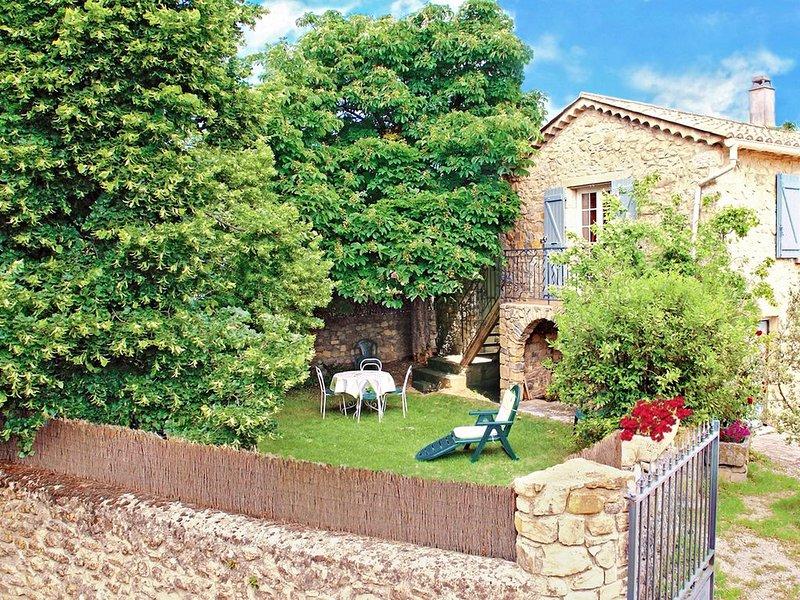 L'Establou, gîte Lussan. Cadre authentique et verdoyant., holiday rental in Mejannes-le-Clap
