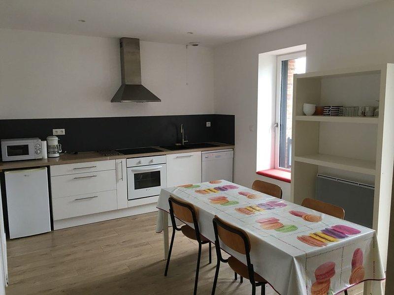 Appartement de 60 m2 - quartier Saint Enogat - DINARD, vacation rental in Dinard