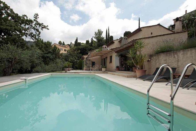 Villa 6 place Grasse (06), location de vacances à Grasse