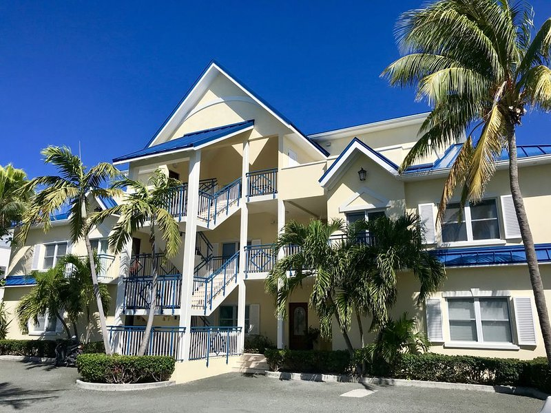Home Away From Home In The Heart Of Grace Bay..., holiday rental in Providenciales