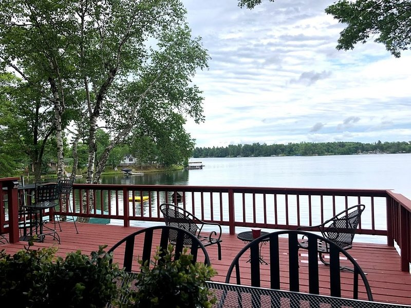 Incredible Views Home On Large Private  Sylvan/Gull Lake Wooded Lot, holiday rental in Brainerd