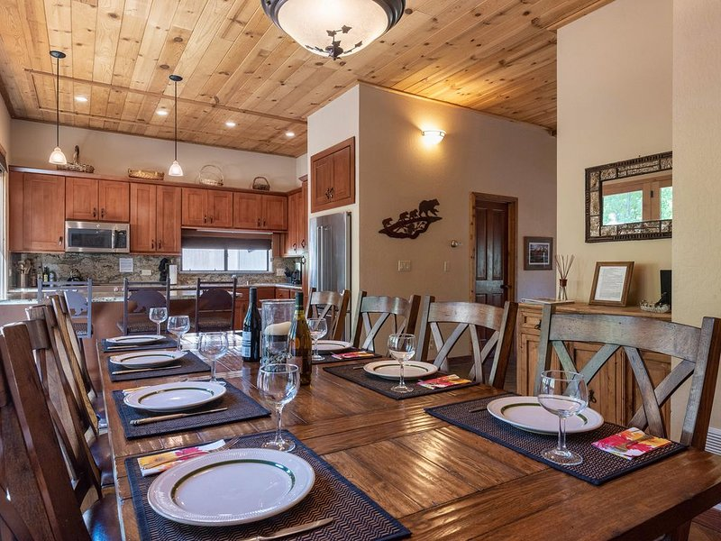 4 Bedroom Mountain World Class Resort, Ski, Golf, Hike, Wi-Fi, holiday rental in Truckee
