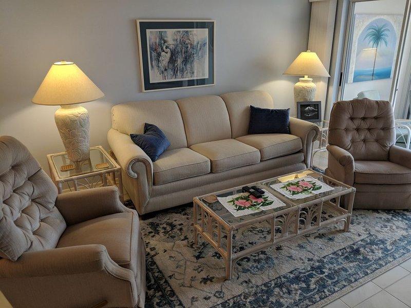 Novo sofá-cama na sala de estar