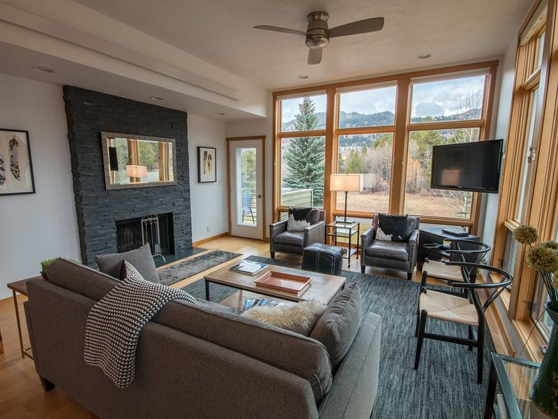 Spectacular Views From 3 Bedroom Aspens Condo!  Only minutes to best skiing!, location de vacances à Jackson Hole