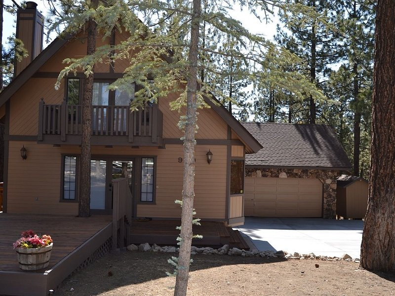 McAlister Cabin - A Peaceful Retreat In The Mountains, location de vacances à Big Bear Lake