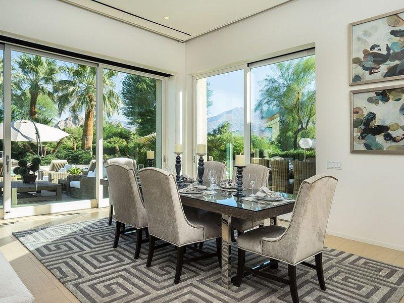 8 Bedroom-All En Suite Spectacular Property 'Cool Pump' on Pool for Summer Stay, alquiler de vacaciones en La Quinta