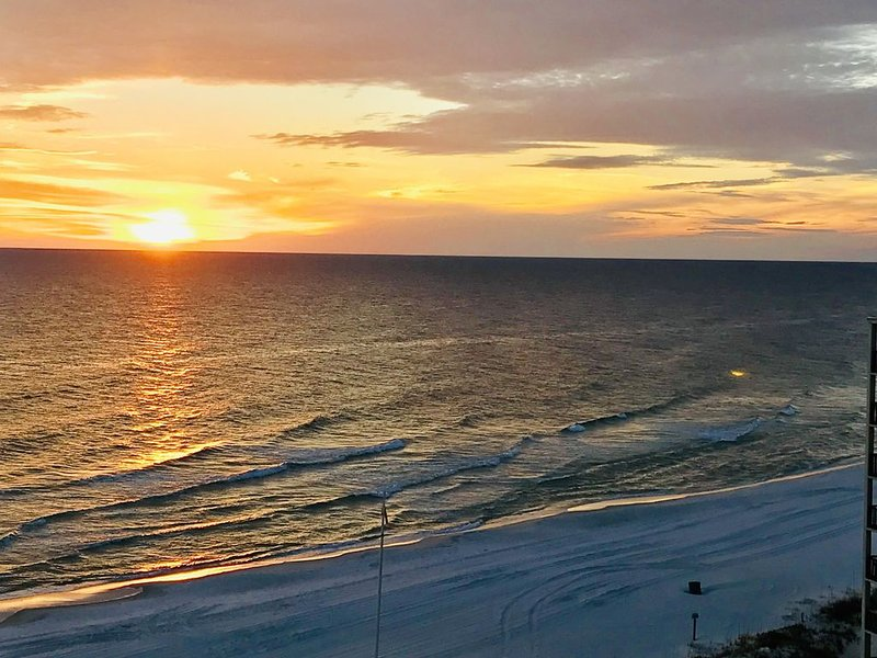 Time to Plan Your 2020 Beach Vacation at Pinnacle Port, holiday rental in Carillon Beach